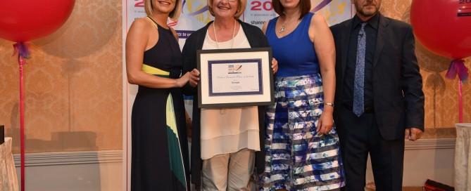 Ellen Redmond, Failte Ireland accepts the award on behalf of Donegal
