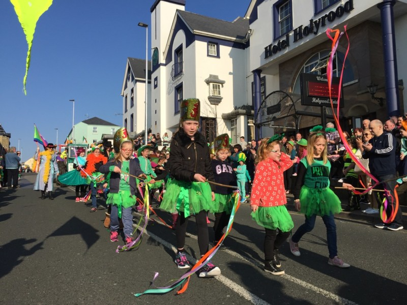 Stagecraft Youth Drama Group under the design of Vikki Climo and Geraldine Daly - overall winners of the 2016 Parade in Bundoran