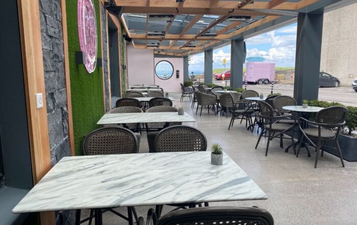 outdoor dining bundoran - Allingham Arms